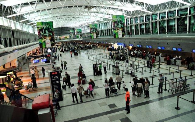 Las tarifas aéreas, los viajes aéreos, el turismo y los subsidios