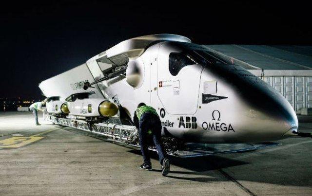 Un avión recorrerá el mundo utilizando solo energía solar