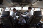 Analizan permitir que los aviones vuelen con un solo piloto